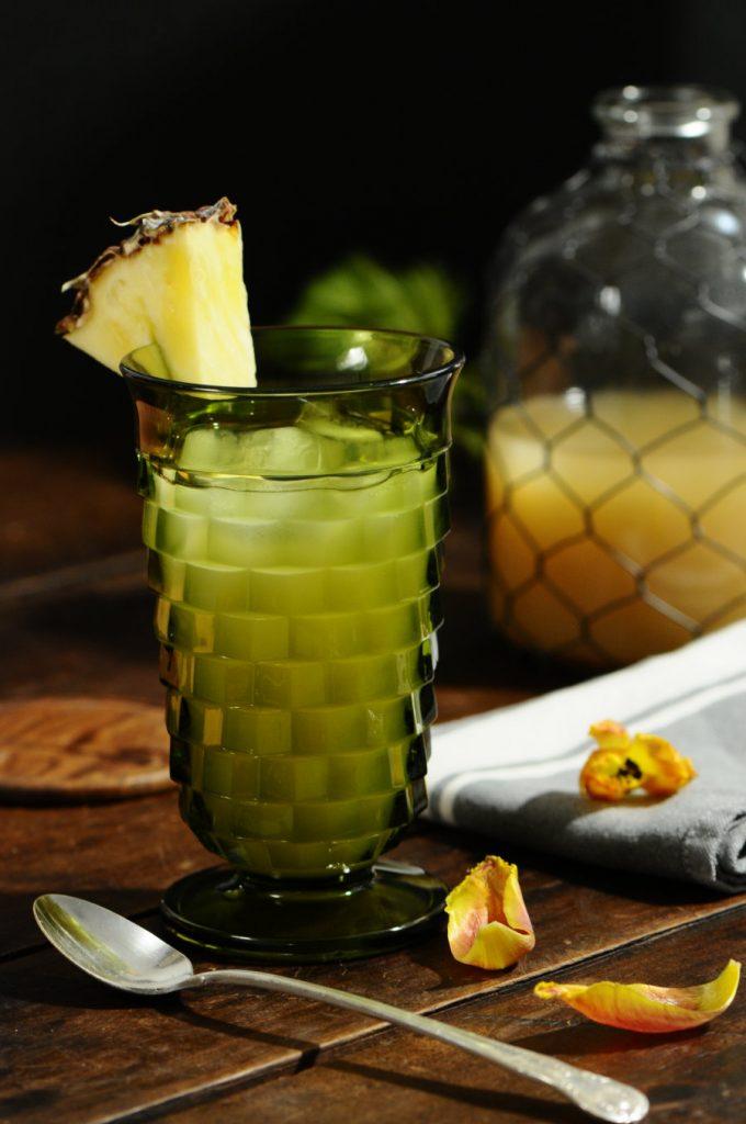 Pineapple core ginger iced tea